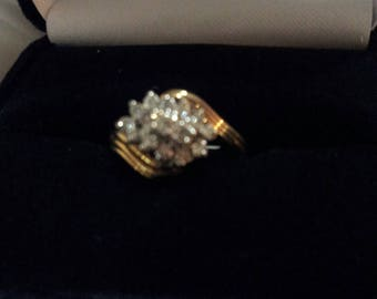 14K Gold and .26 ct tw Diamond Ring, Size 6