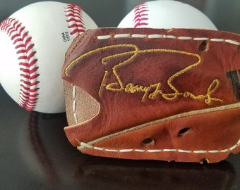 """Genuine Leather Front Pocket Wallet Featuring Embroidered """"Barry Bonds"""" Signature"""