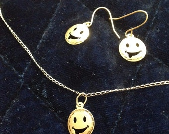 Necklace and Earrings Set in 14K: Smiles All Around!
