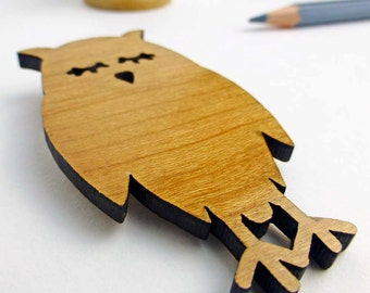 Wooden owl brooch | Wooden jewellery | Laser cut owl brooch | Woodland animal accessories | Bold wood jewellery