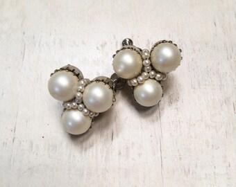 Vintage screw back costume jewelry faux pearl earrings, 1950s jewelry, vintage pearl cluster earrings, estate jewelry, wedding earrings