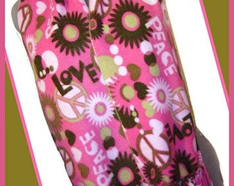 Peace/Love in Pink Fleece Scarf, Hippie Muffler, Retro Style Bufanda, Pink/Green Combination