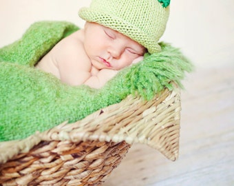 Holiday Holly Hat, Knit Cotton Baby Hat,  great photo prop