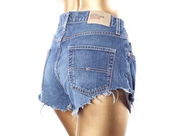 Vintage Tommy Hilfiger shorts•Frayed shorts•Ditressed Cut Offs•Cut off denim shorts•Vintage shorts•Hippie shorts•Distressed jean shorts
