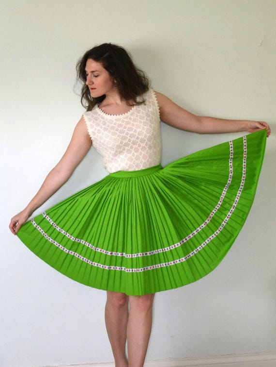 Springy Step Skirt | vintage 60's apple green pleated circle skirt | floral detail | small