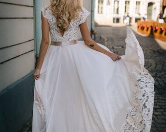 Flowy wedding dress | Etsy