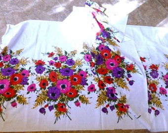 3.5 Yards of Gorgeous Fruit of the Loom Floral  Border Print Fabric