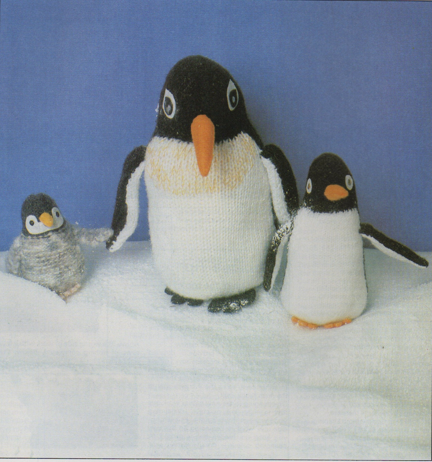 Penguin knitting pattern knitted penguins large small chick zoom bankloansurffo Images