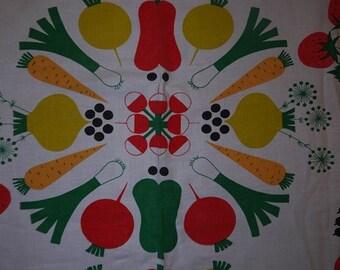 Fabric - Almedahls - Aune Laukkanen - 1960 - Fruits & Veggies