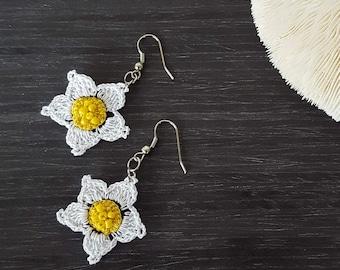 Boho Daisy Earrings, Crochet Earrings, Beaded Earrings, Dangle Oya Earrings, Crochet Jewelry, Flower Earrings, Women's Gift