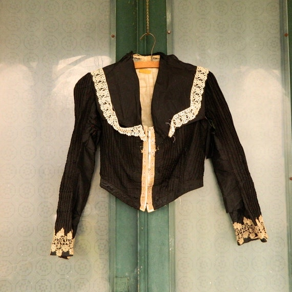 Edwardian Pintuck Blouse in Black with White Lace Trim