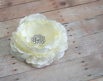 Ivory Flower Hair Clip, Cream Flower Hair Piece, Ranunculus,  Bridal Rhinestone Flower Hair Clip, Bridesmaid  Ruffled Flower Hair Clip Bride