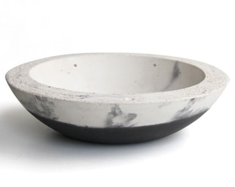 Concrete Bowl - Mixed Black & White Wash Effect