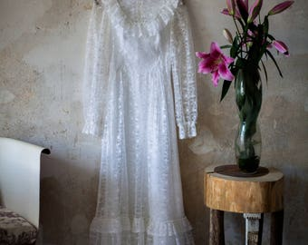 Vintage 70s Boho White Lace former Bride Dress