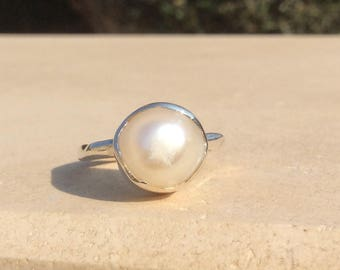 Pearl Ring, Large Ivory Pearl Silver Ring, June Birthstone Silver Ring, Freshwater Pearl Boho Silver Ring, Wedding Jewellery