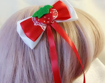 Strawberry bow hairclip