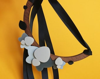 ORCHID NECKLACE   gray