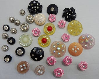 Mixed lot of 34 Vintage Plastic & Rhinestone Buttons