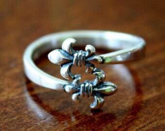 Fleur de Lis Adjustable Ring- Sterling Silver-fleur de Lis Jewelry- Fleur De Lis Gifts- New Orleans Jewelry