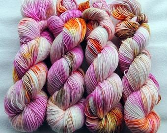 Merino SINGLE yarn, 100% Merinowool 100g 3.5 oz.Nr. 131
