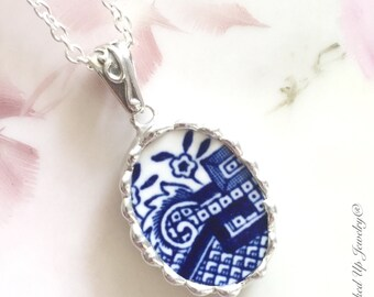 Broken China Jewelry. Broken China Necklace, Blue Willow Necklace, Blue and White China, Recycled China