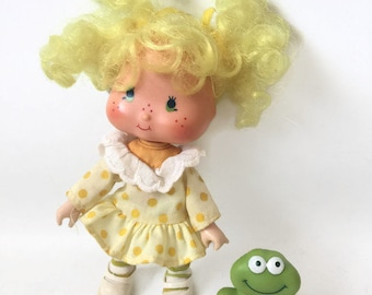 Vintage Strawberry Shortcake Lemon Meringue Doll with Frappe Frog Pet