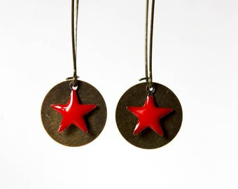 Red enameled star earrings