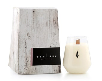 Revitalise - Sweet Pea and Jasmine Scented Candle, Soy Wax, Hand poured to order, 60 hour burn time, Black Arrow Candles