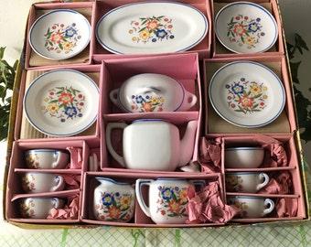 1960's Jarmar Porcelain Toy Dinner Set