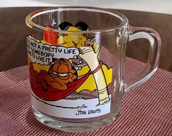 1978 official Garfield glass cup x McDonald by United Feature Syndicate