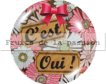 Set of 2 cabochon 18mm round glass, pink and white text