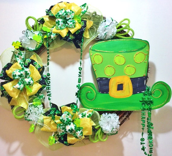 Lights Up St. Patricks Day Leprechaun Hat Beads - Welcome Door Grapevine Wreath