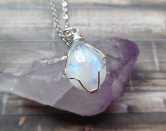 Moonstone Necklace, Teardrop Moonstone Pendant, Mothers Day, Moonstone Jewelry, Crystal Necklace, Bohemian Jewelry, Rainbow Moonstone