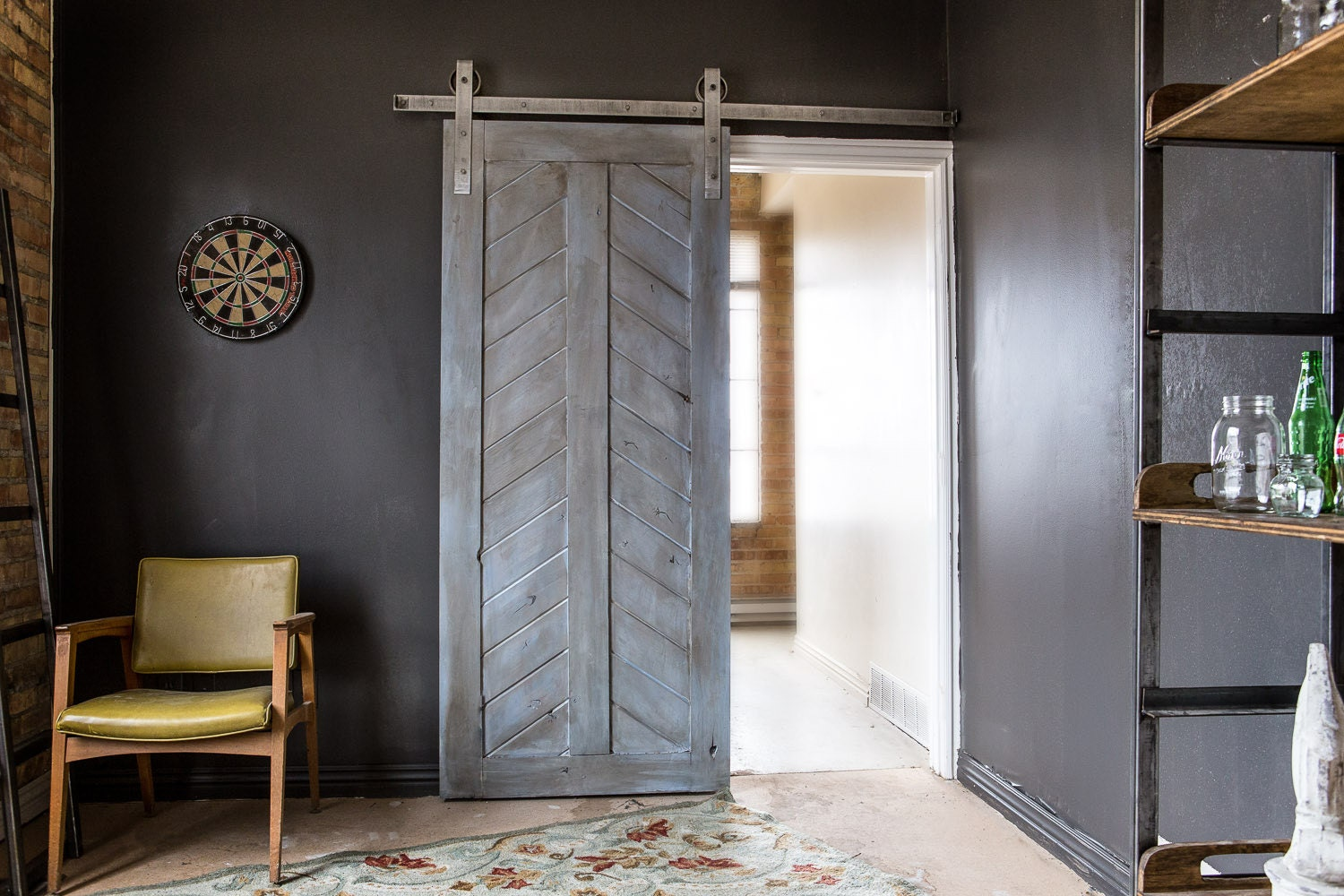 diy barns barn door youtube sliding watch doors