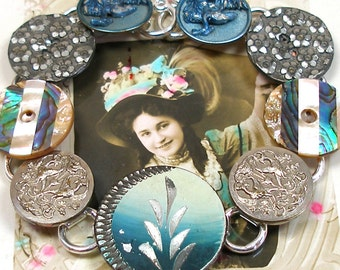 """1800s Antique BUTTON bracelet, French Victorian BIRDS & flowers in teal, 8"""" jewellery"""