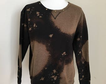 Size Medium Studded Collar Bleach Dye Sweater