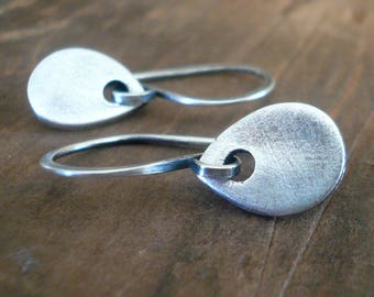 Essential Earrings Medium Tear - Handmade. Oxidized Fine and sterling silver dangle earrings