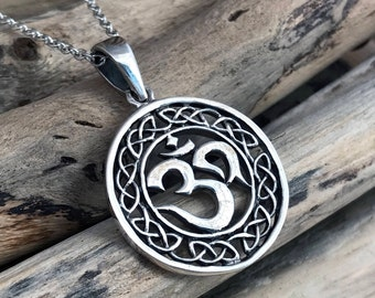Silver Om pendant necklace, om pendant, om necklace, OM, lotus flower, Lotus charm, Lotus, Yoga Charm, Yoga AUM007
