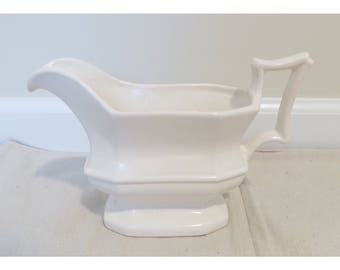 Vintage white ironstone gravy boat, large gravy boat, shabby chic, country decor, ironsone, ceramic gravy boat, french country decor