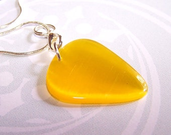 Guitar pick pendant Crystal mounted on a yellow silver chain