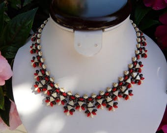 Trendy woven with vanilla chocolate Pearl NECKLACE