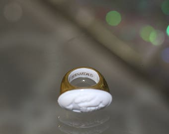 Bernardaud Porcalain White & Gold Ring Size: 5