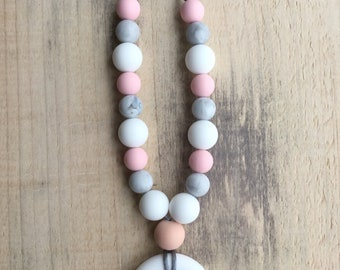Nursing necklace// teething necklace// Mother's Day gift