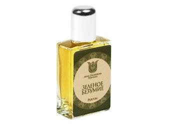 Natural perfume Green madness -Fresh and citrus, with lemon, yuzu, wormwood, tarragon, blackcurrant bud, lavender, vetiver, oakmoss  Flacon