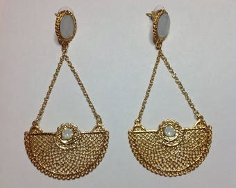 GOLD WHITE EARRING