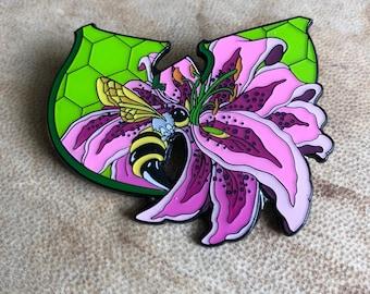 Wu lily hat pin