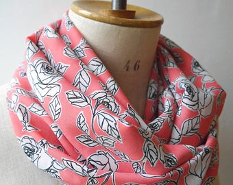 pink infinity scarf roses, pink cowl with roses, pink round scarf, roses scarf woman, pink cowl rose, pink fabric scarf, pink infinity scarf