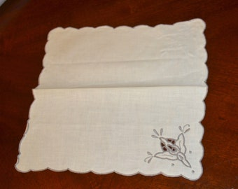 four vintage cotton dinner/tea cloth napkins -  brand new