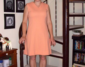 Vintage peach shift dress - small