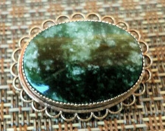 Vintage Oval Agate Jewelry Brooch - Gold Tone Filigree Edging